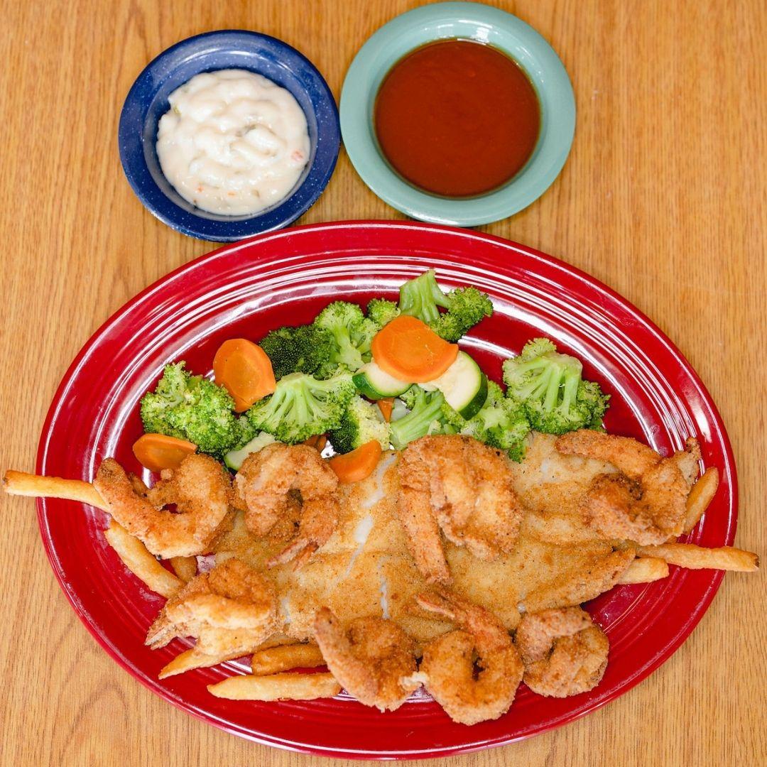 Masfajitas Tex-Mex and Mexican Fried Seafood Combo