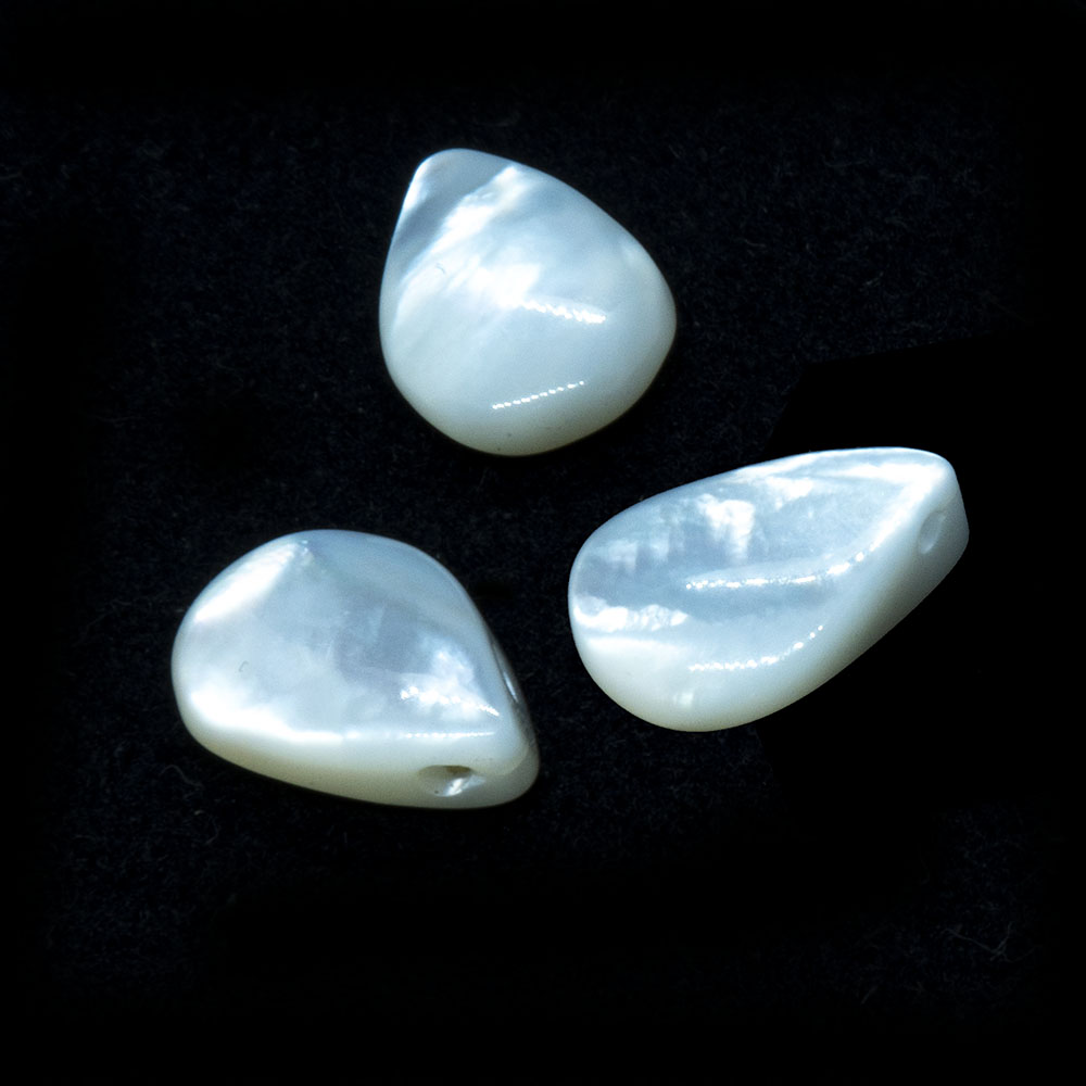 Natural Shell Mother of Pearl Teardrop - Approximately 9.5x6x3.5mm - 1pc