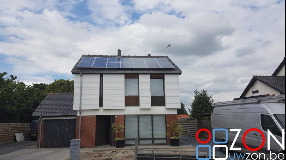Installatie van 14 zonnepanelen