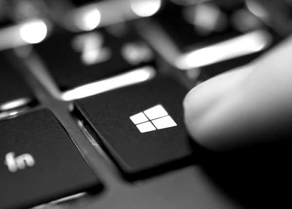 Eine Windowstaste auf einem Keyboard.