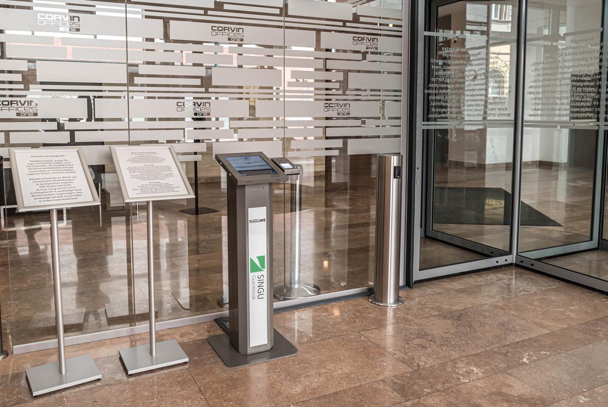 Reception-free visitor kiosk station