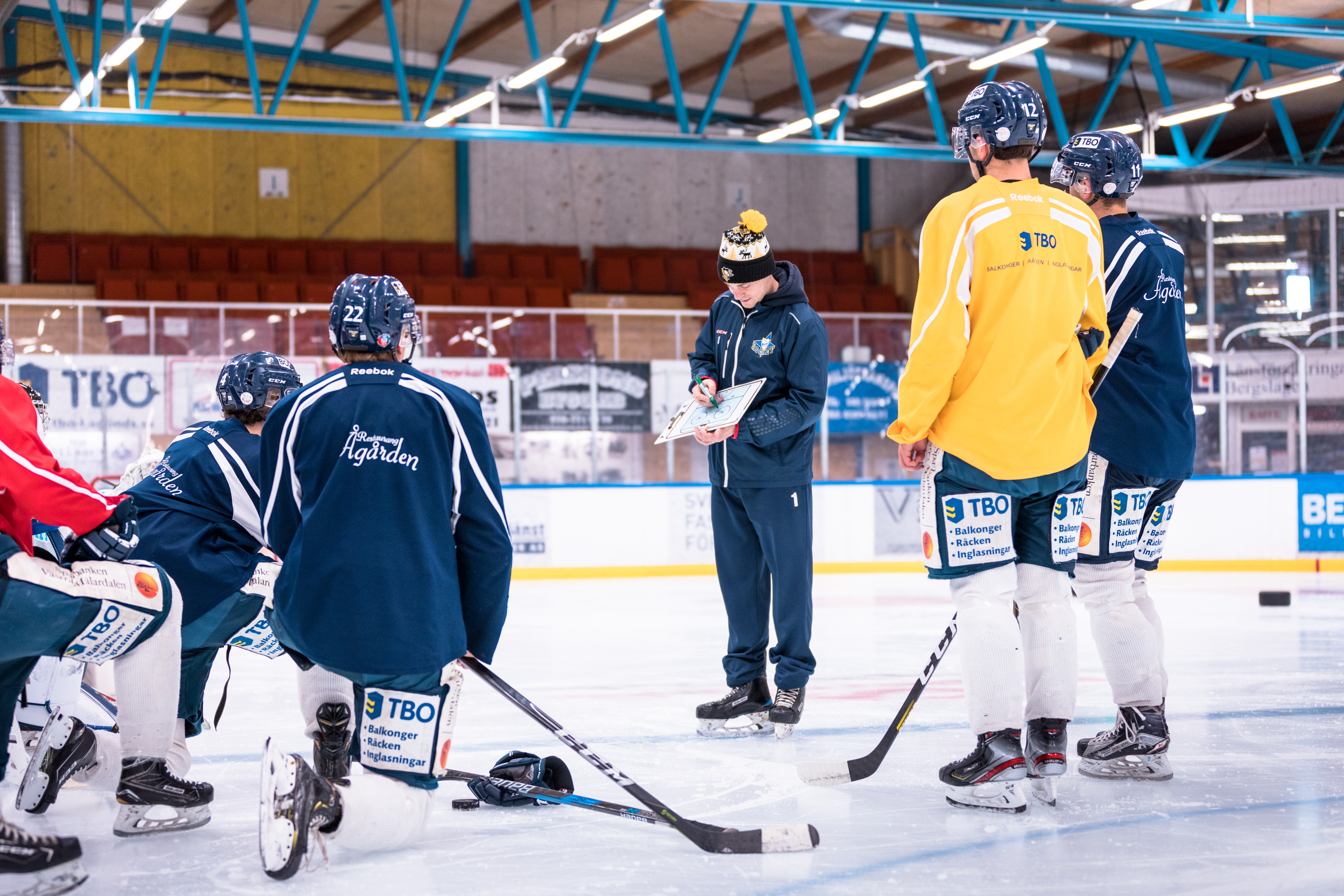 An image featuring Alfons, VD at AF Training & Rehabilitation, when he instructs a professional hockey team.