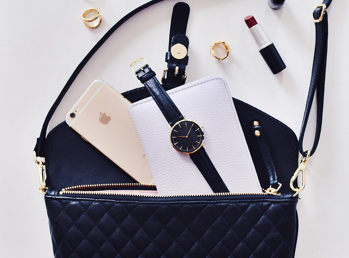 Handbag, beauty accessories