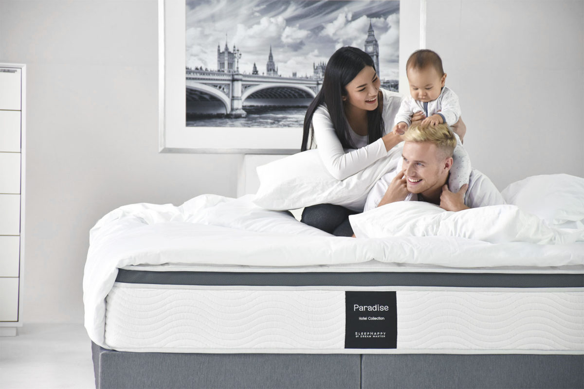 Family photo for bedding for influence Facebook Message Campaign