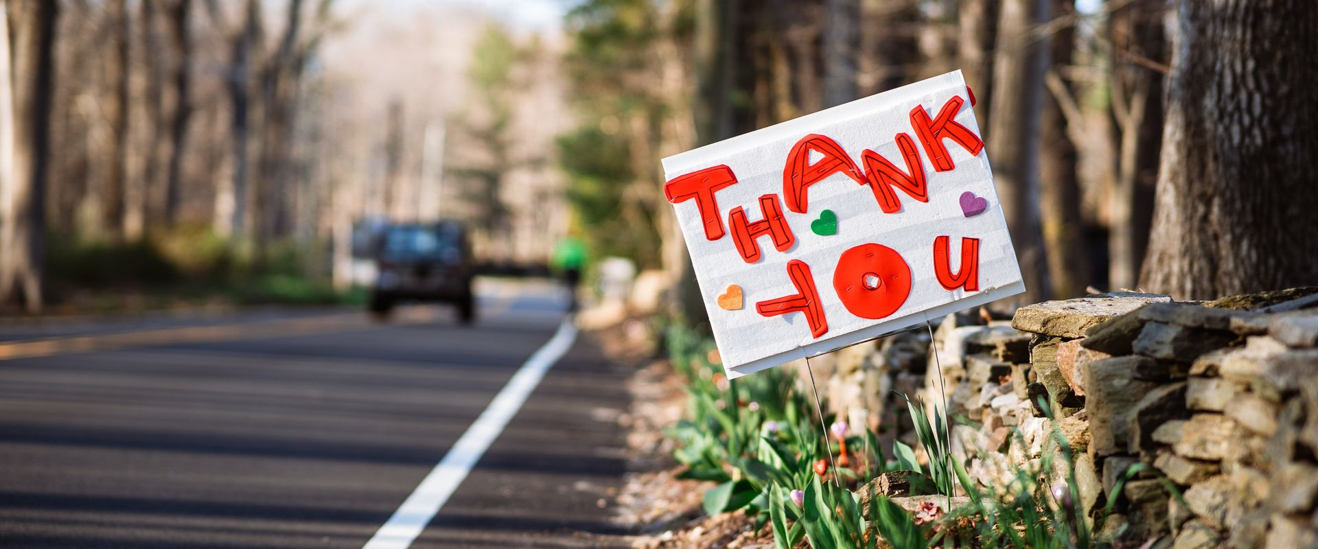 thank you sign on road
