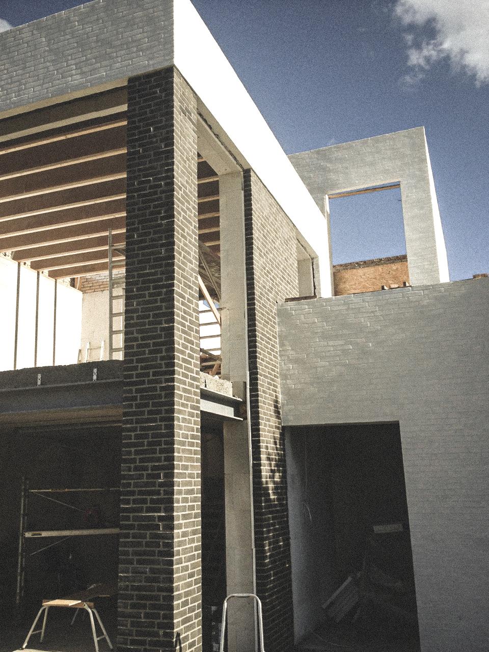 Billede af et igangværende byggeri i Vanløse, tegnet af arkitektfirmaet m2plus.