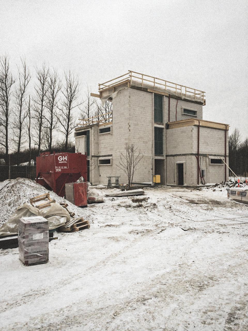 Billede af et igangværende byggeri i Glostrup , tegnet af arkitektfirmaet m2plus.