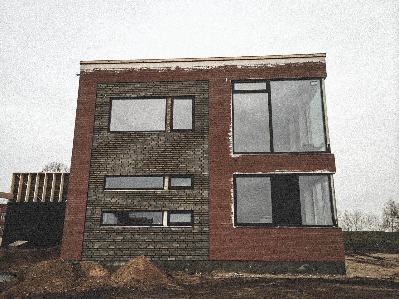 Billede af et igangværende byggeri i Hinnerup / Aarhus, tegnet af arkitektfirmaet m2plus.