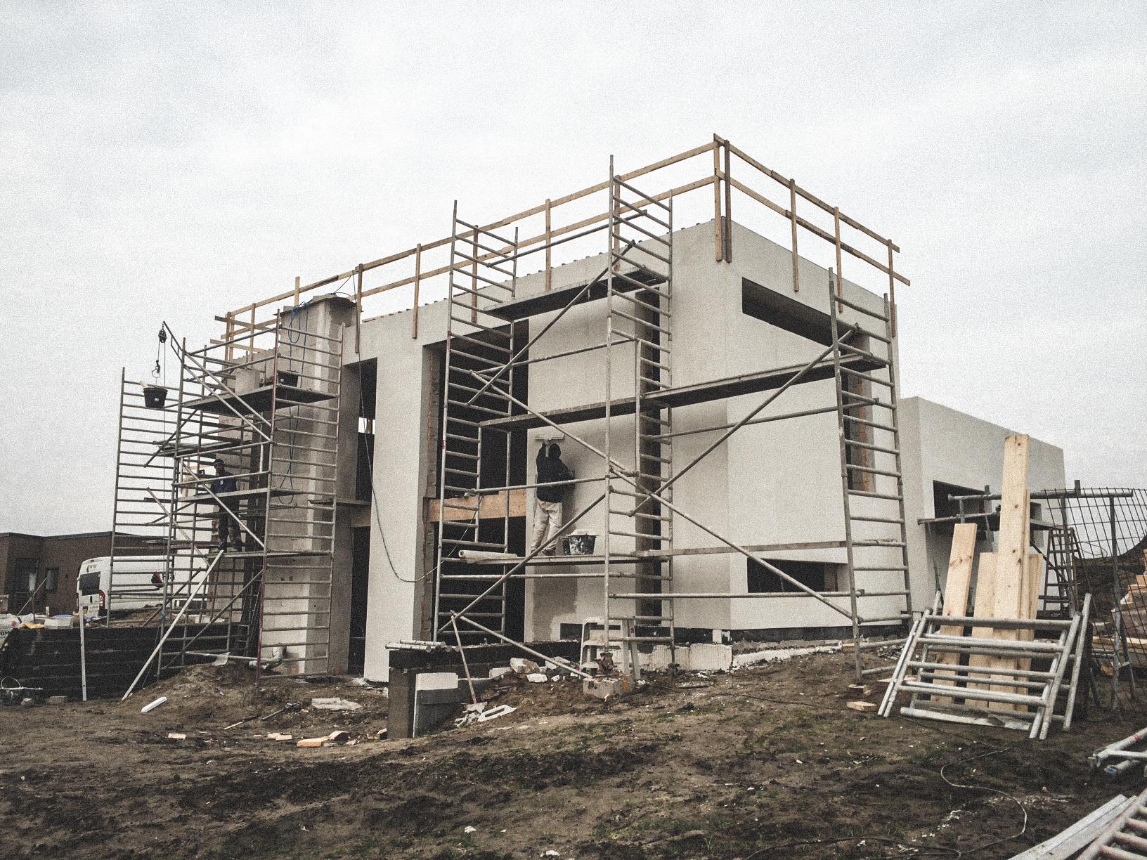 Billede af et igangværende byggeri i Nibe, tegnet af arkitektfirmaet m2plus.