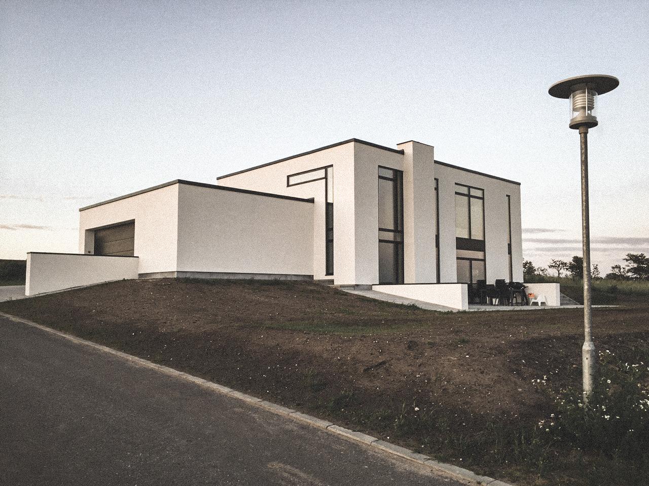Billede af villa i Nibe efter indflytning, tegnet af arkitektfirmaet m2plus.