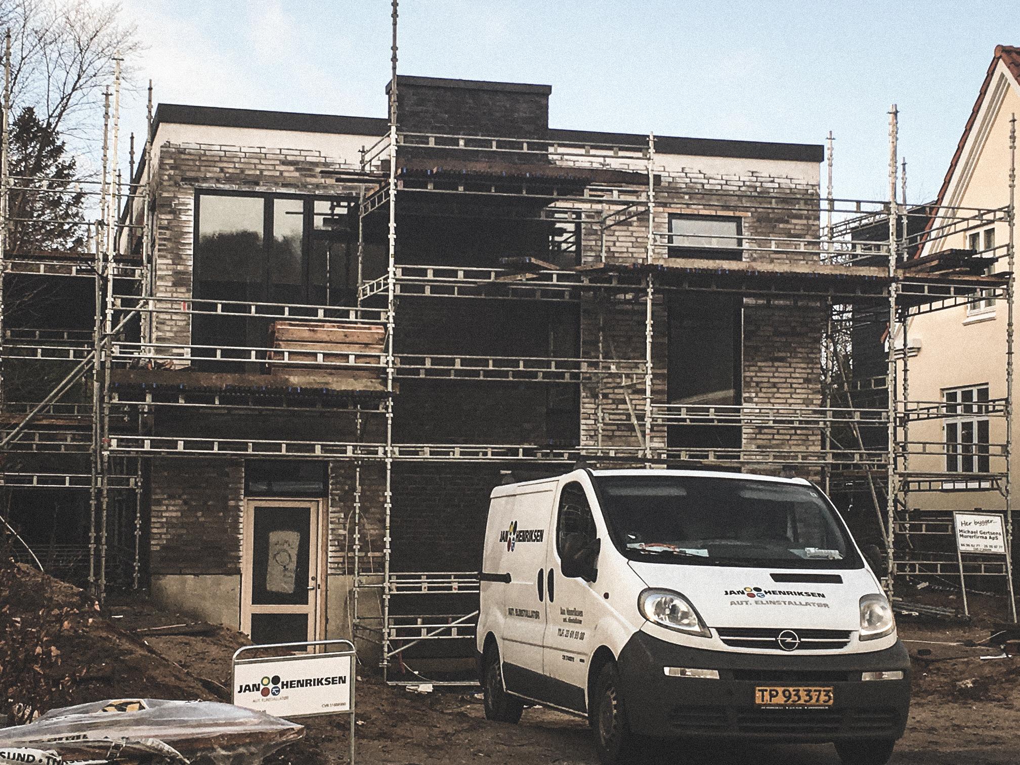 Billede af et igangværende byggeri i Silkeborg, tegnet af arkitektfirmaet m2plus.