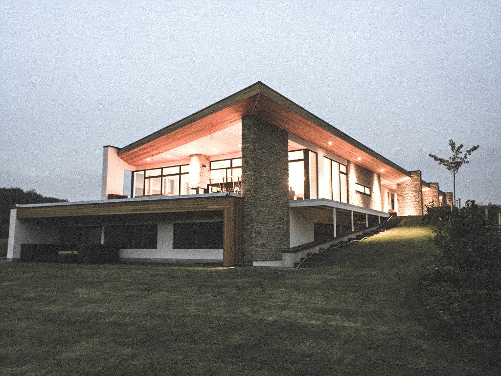 Billede af villa i Vedbæk efter indflytning, tegnet af arkitektfirmaet m2plus.