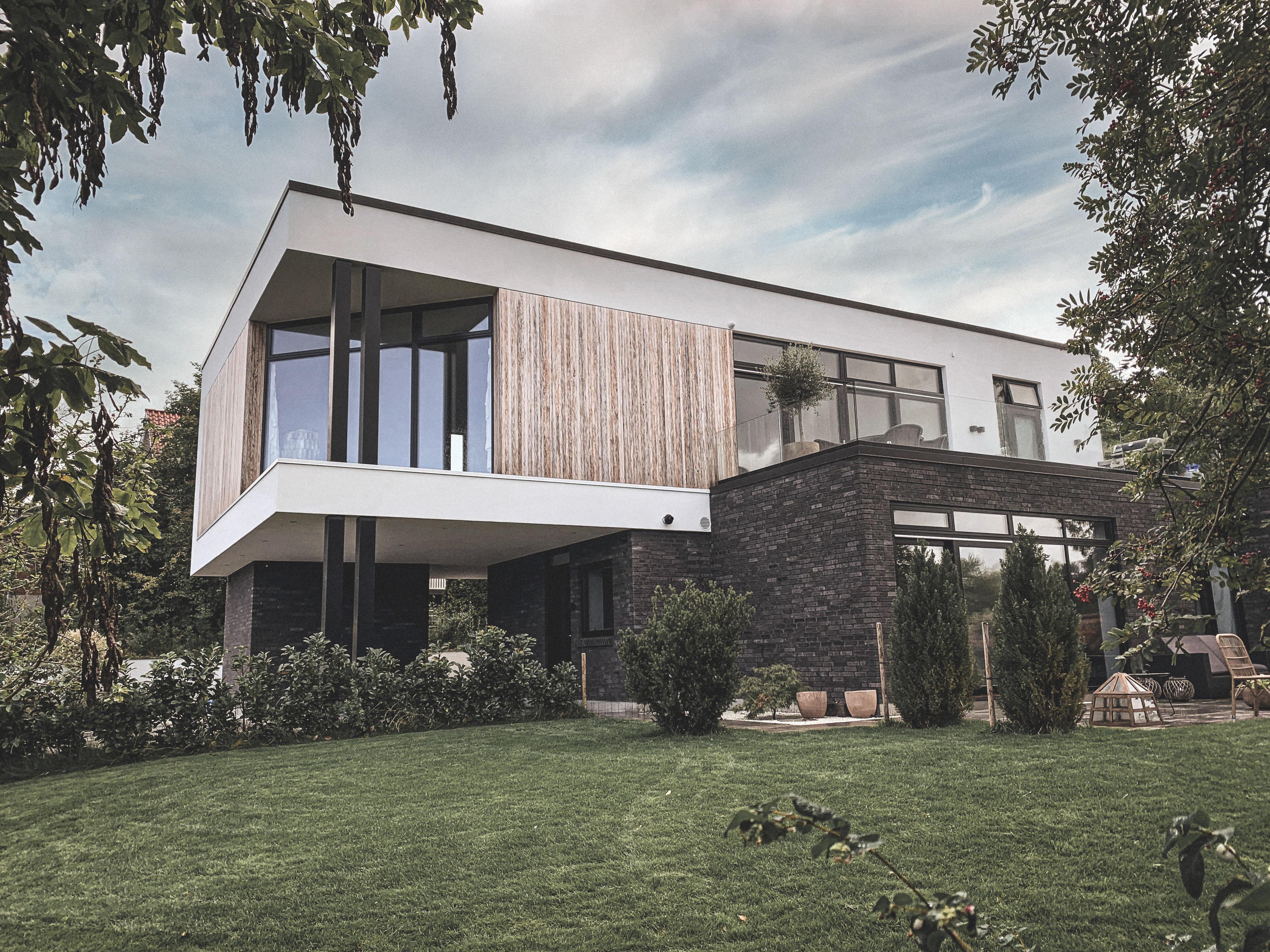 Billede af Dansk arkitekttegnet 2 plans villa af arkitektfirmaet m2plus.