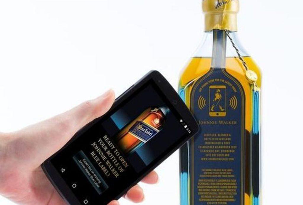 modern packaging design - Johnny walker
