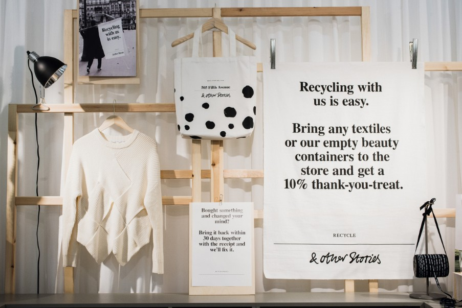 H&M recycle- sustainable packaging