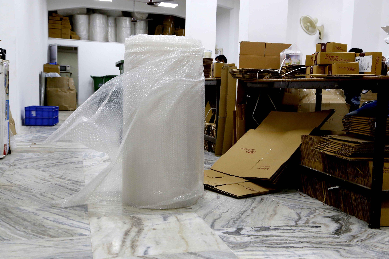 bubble-wrap-packaging-ecommerce-logistics-product