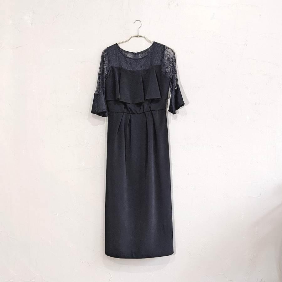 ブラック×透け感レースのドレス