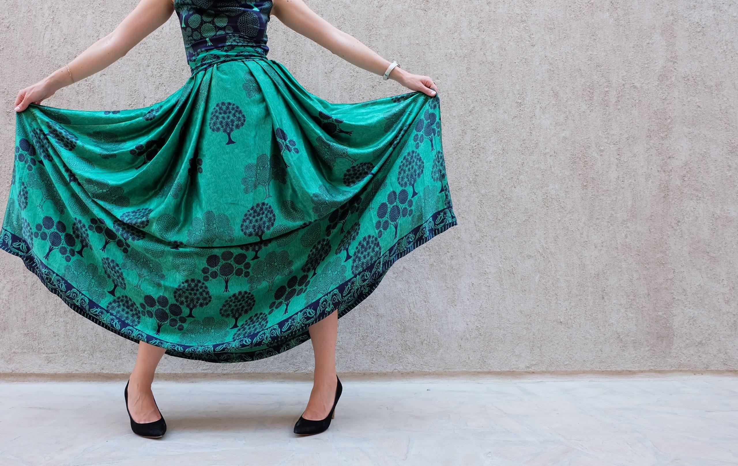 20代・30代の年代別に解説!レンタルドレスの上手な選び方とは?