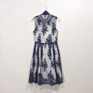 Dorry Doll 花柄刺繍入りサッシュベルト付きチュールレースドレス M/Freeサイズ ネイビー