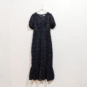 SHEIN パフスリーブラッフルヘムフェザーデザインドレス Sサイズ ブラック
