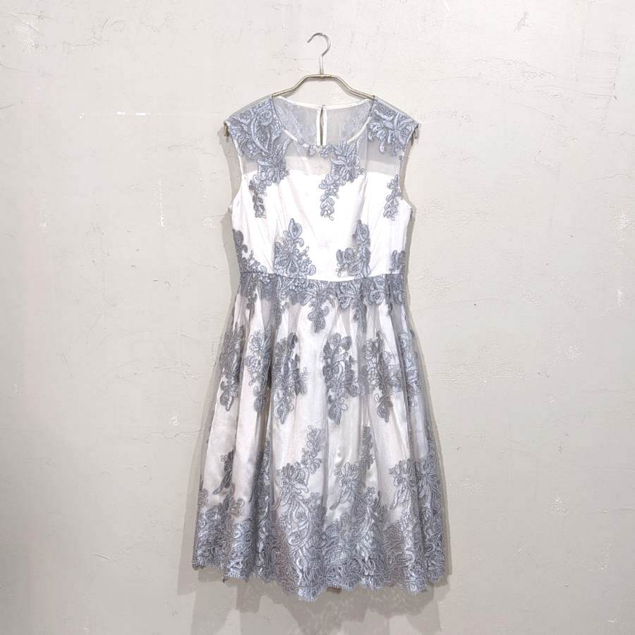 Dorry Doll 花柄刺繍入りサッシュベルト付きチュールレースドレス 2Lサイズ シルバー