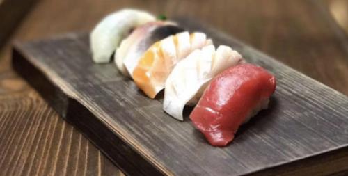 Chef's Nigiri at Yoshitomo