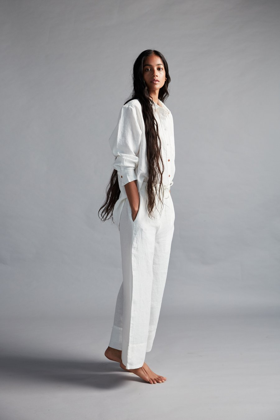 After spending over a year in pyjamas, we're not quite ready to go back to trousers yet. Enter pure linen pyjama pants, smart enough to wear outside and comfortable enough to sit with your feet up. 100% linen, European flax — a natural fibre Relaxed Waist With Elastic & Drawstrings Side Pockets Back Yoke Oversized Hem Taj (Ivory White) Colour Pair it with our Oversized Linen Shirt or our Linen Shirt Dress