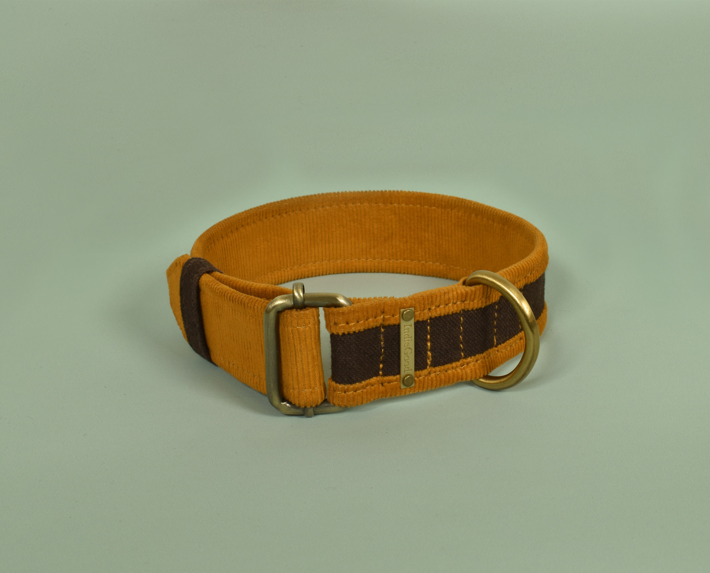 Celebrate the bond between you and your favorite buddy with this set of matching collar and bracelet. These bond collars are made of Organic Corduroy and Canvas which make it pleasant for you and your furry friend's skin. Hola! Now you can stay connected even when you're apart. The bracelets close with three snap buttons so they can fit every wrist size. The collars are available in three sizes, pawfect for every pooch.