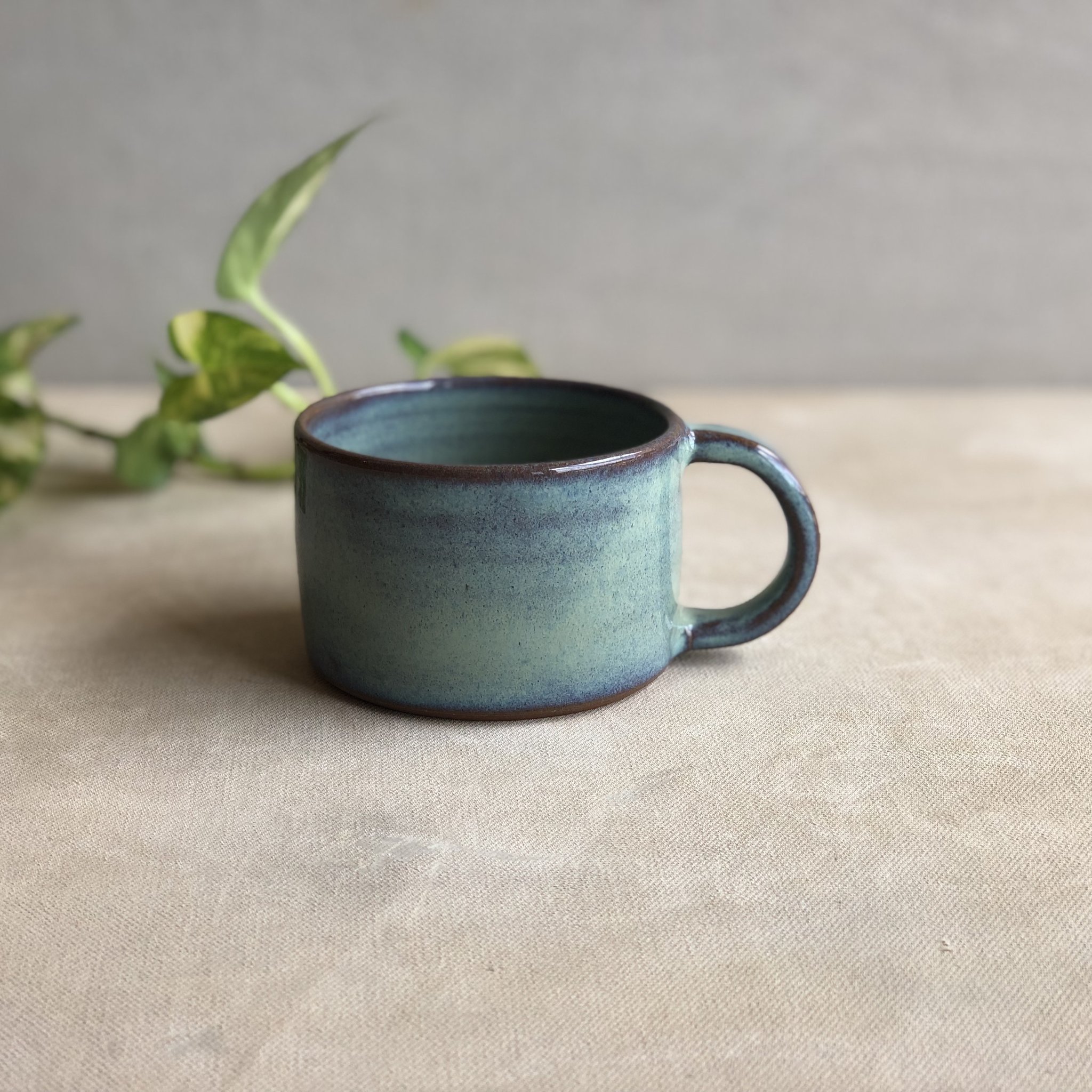 Tea is not a beverage anymore, it's an emotion. I am sure all the tea lovers will agree! This Saagar Tea Cup in this cool and beautiful Sea Green glaze is sure to be your favourite.