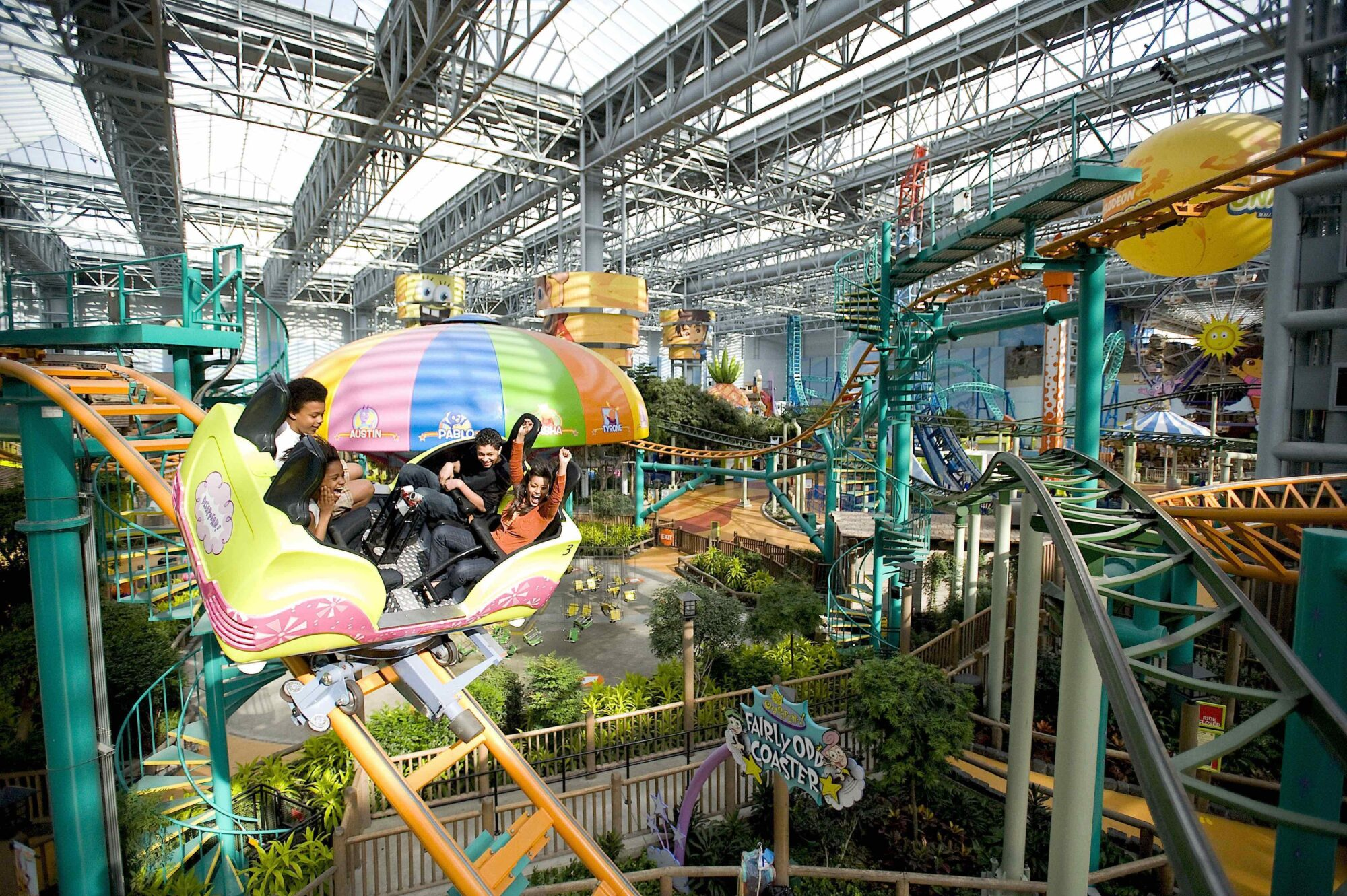 Bridging The Experience Between America's Most Famous Mall and Its Internal Amusement Park