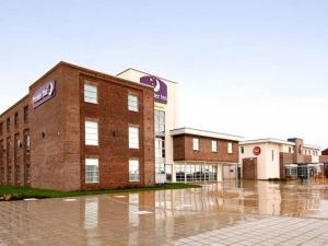 Premier Inn Barry Island-Cardiff Airport