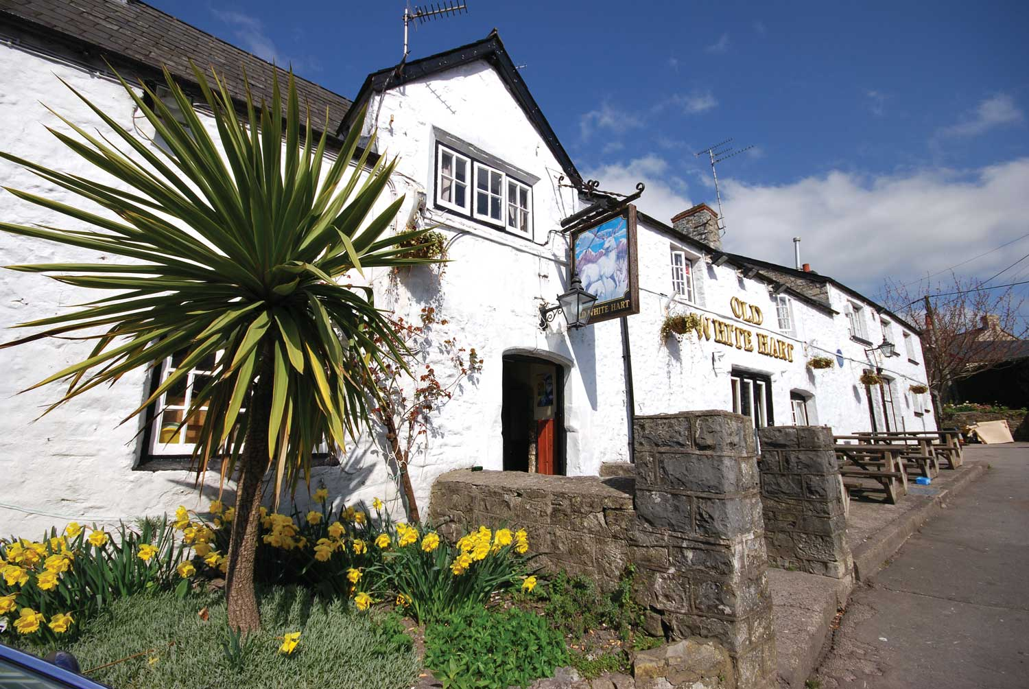 LLantwit Major Old White Heart pub