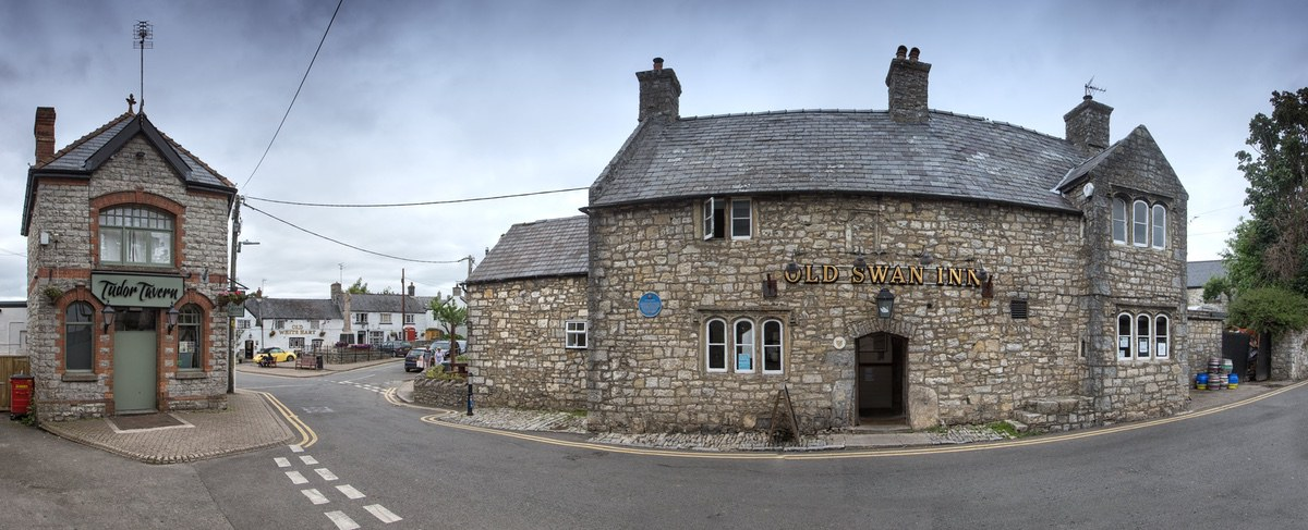The old swan Inn - Llantwit Major