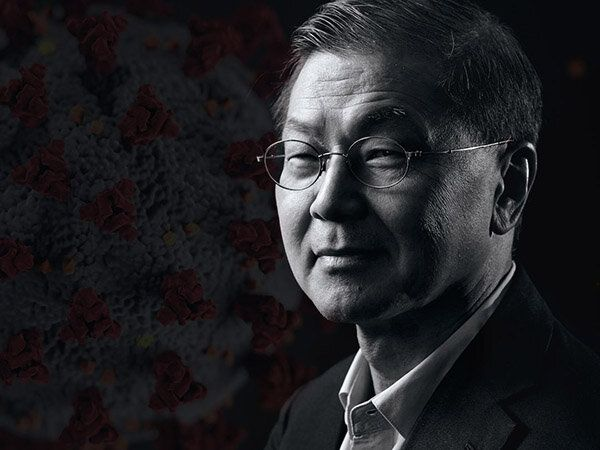David Ho (BS '74) Discusses Coronavirus Treatment Development on 60 Minutes