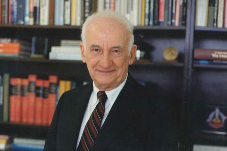 "Caltech Trustee Simon ""Si"" Ramo (PhD '36) Passes Away"
