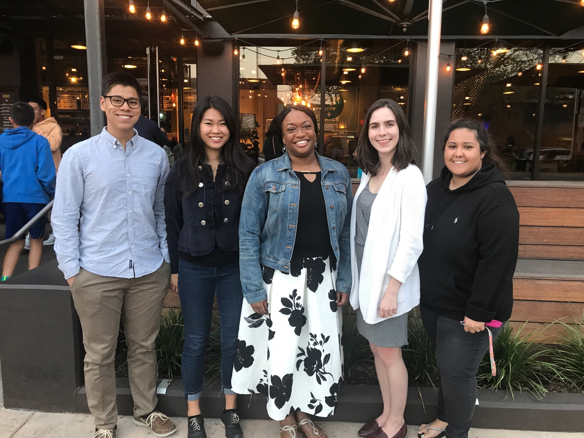 Tashica Williams Amirgholizadeh (PhD '04) hosted 4 undergraduate students for dinner at Urban Plates in Pasadena on Friday, April 28, 2018.