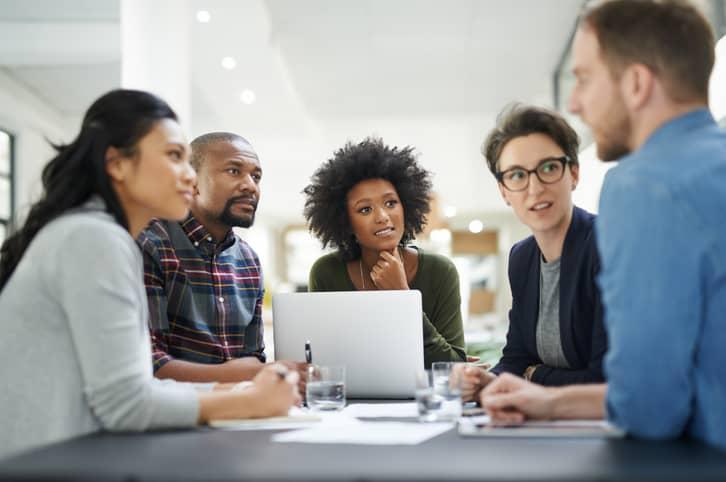 Comunicação empresarial em tempos de home office