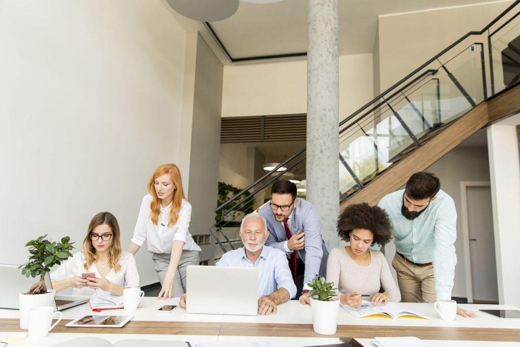 As diferentes gerações no mercado de trabalho: entenda cada uma