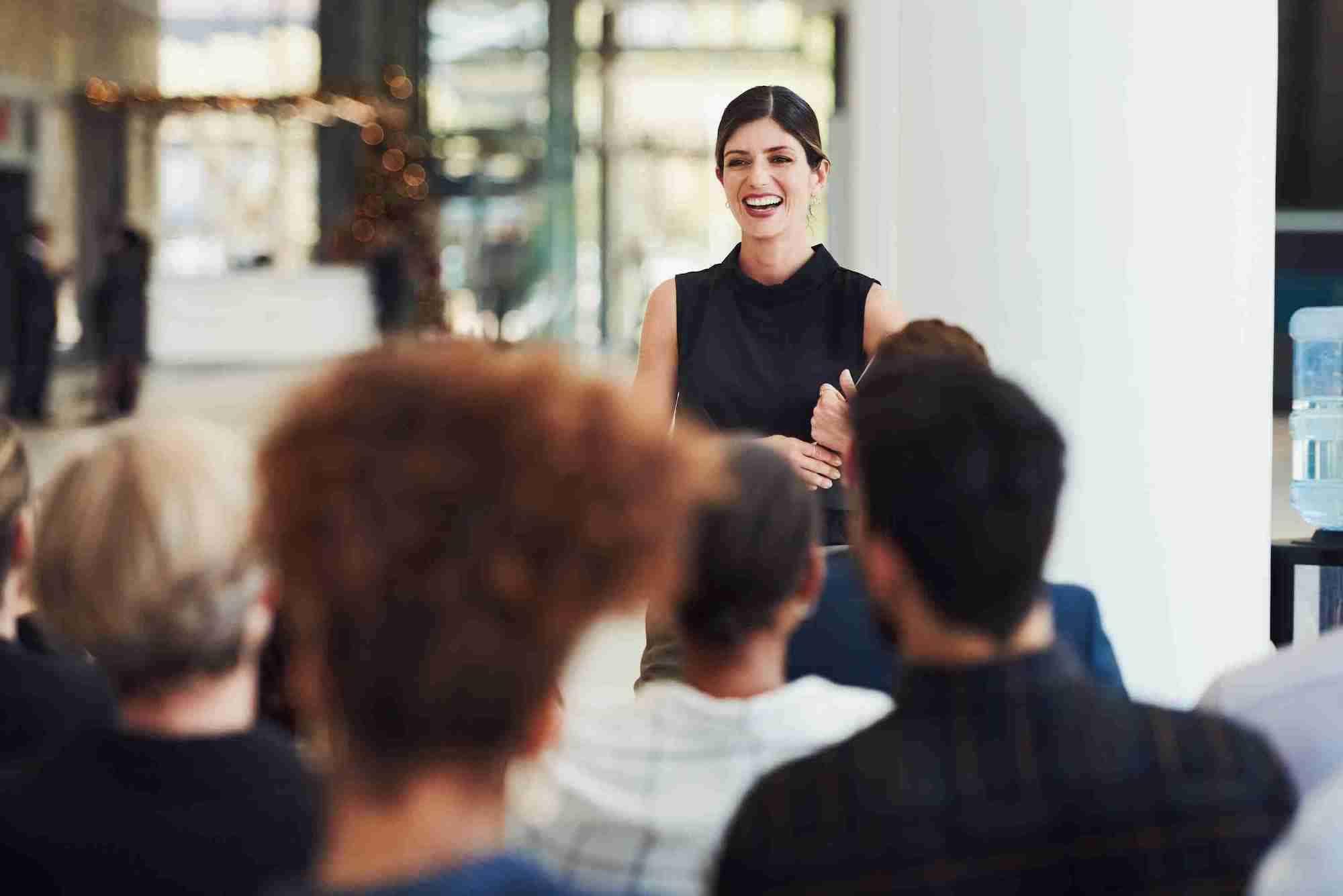 Medo de falar em público? Confira 4 dicas para superá-lo
