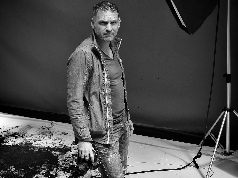 Romel Janeski, Fotograf mit Kamera