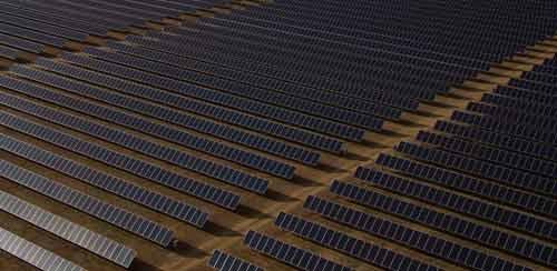 Nouvel'R Energie exporte ces anciens panneaux solaires.