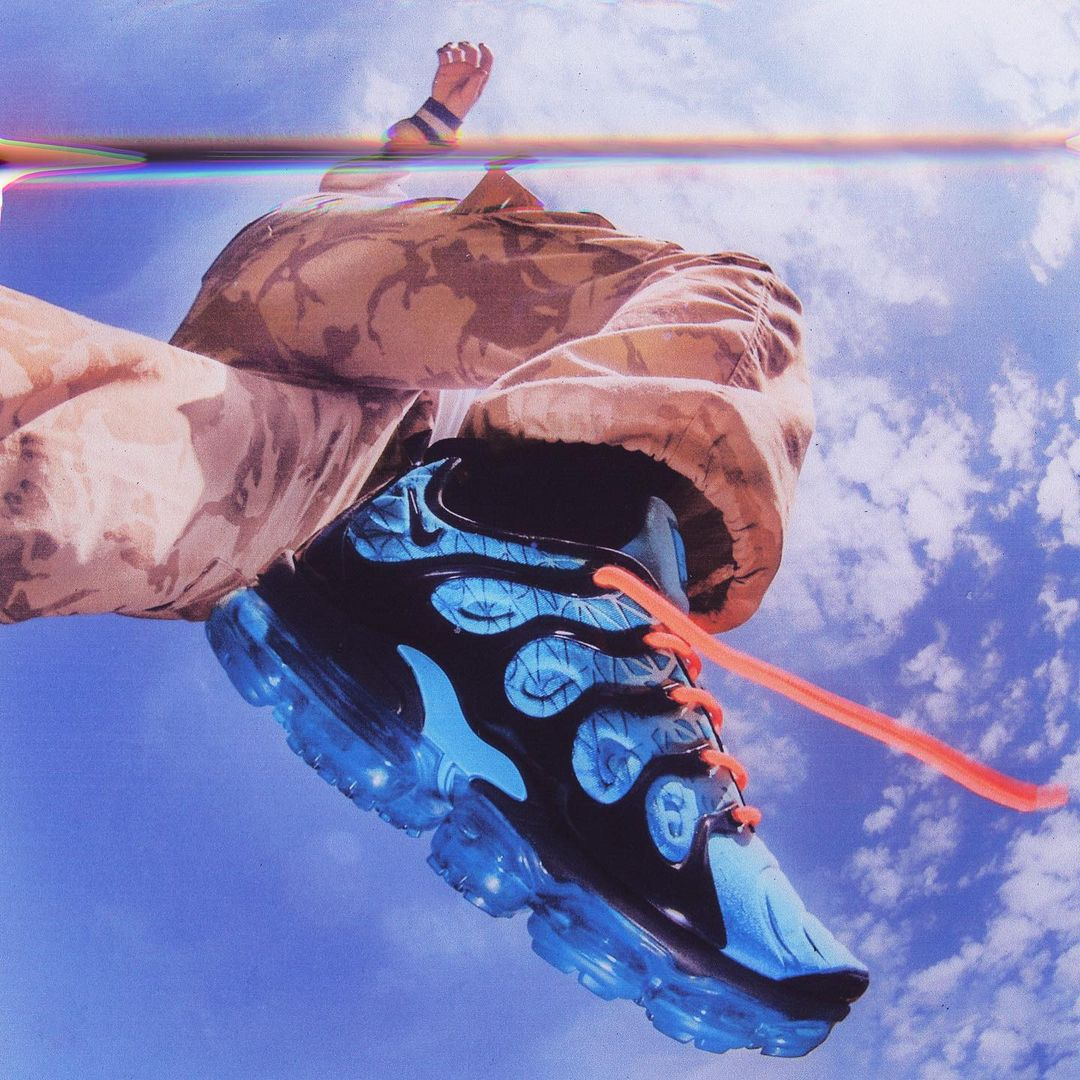 Nike TNs in the air