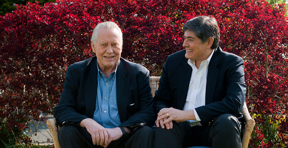 Chuck Feeney and Christopher Oechsli are honored by the University of Melbourne