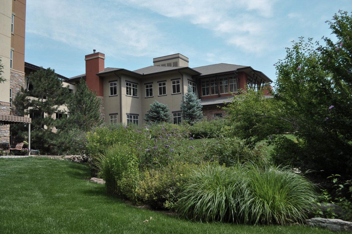 Landscape maintenance programs for apartment complexes - common areas