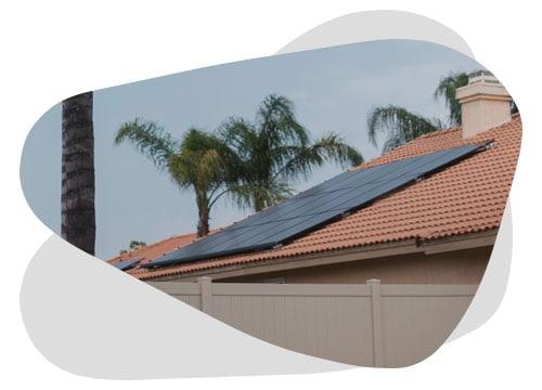 Les panneaux solaires de différentes marques peuvent fonctionner ensemble