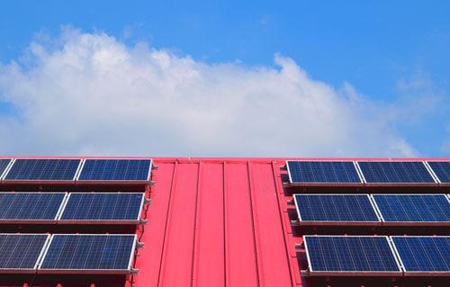Examinez vos équipements solaires et votre toiture