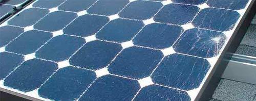 Le verre de votre panneau solaire est fissuré ? Vous pouvez le réparer vous-même