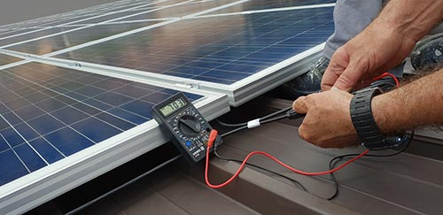 Le dépannage sur une installation composée de micro onduleurs doit être réalisé par un technicien.