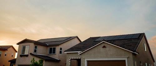 Des installations photovoltaïques voisines peuvent créer des surtensions