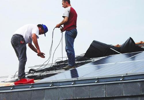 Découvrez pourquoi les fuites d'eau sont maîtrisées par les professionnels solaires
